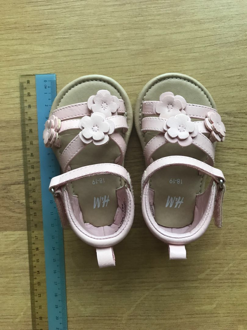 H\u0026M Baby Girl Shoes size 18/19 (13cm