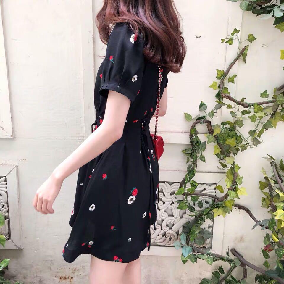 INSTOCKS Pocket lace up waist floral dress - black