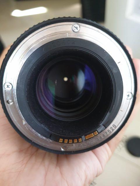 Lensa Canon 100mm f2.8