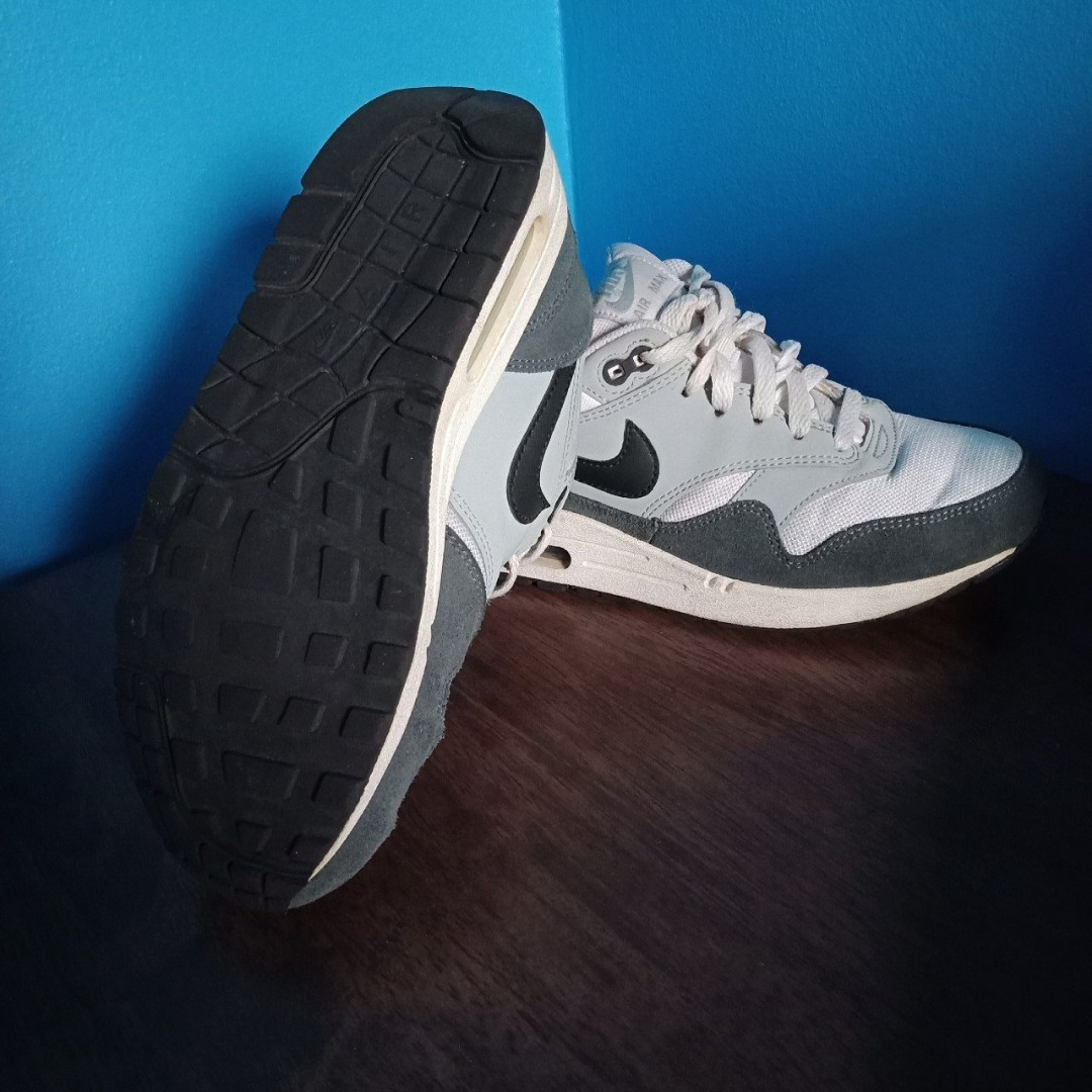 Nike Air Max 1 size 38.5/7.5 (teal grey & baby blue)