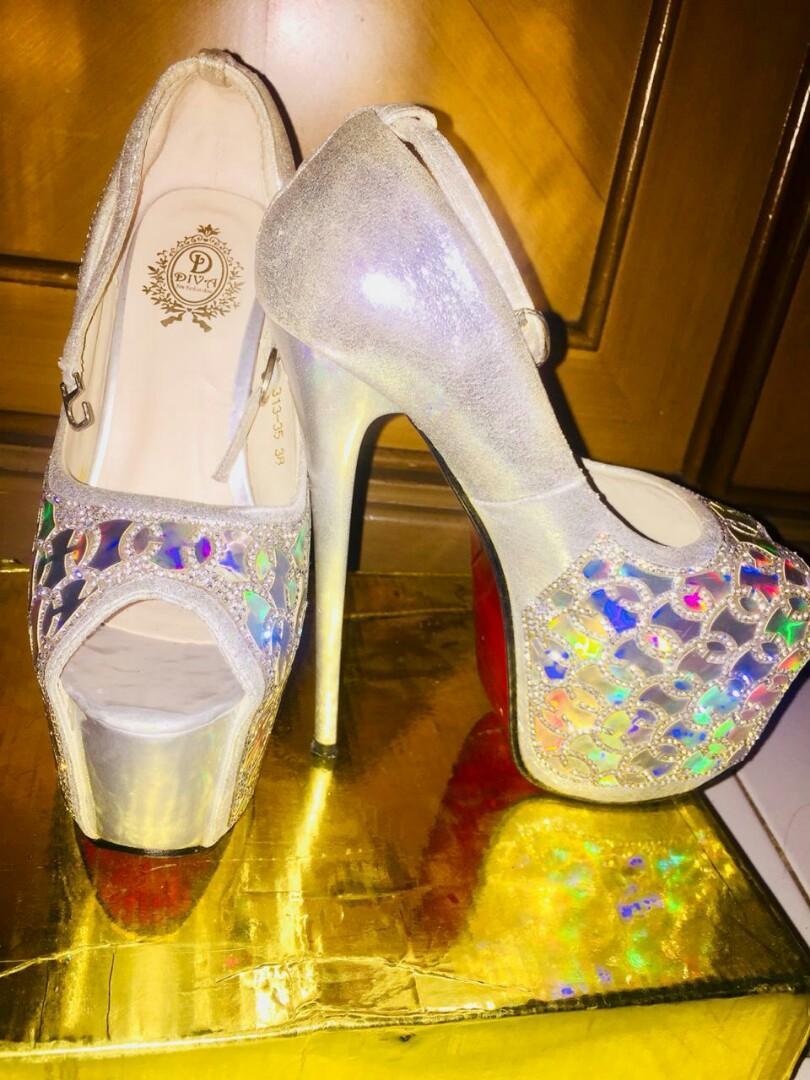 Sepatu Hils Glamor