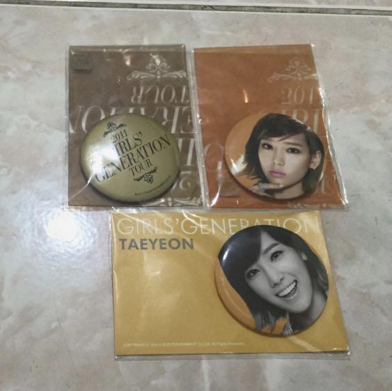 Snsd girls generation taeyeon badge pin smtown korea kpop