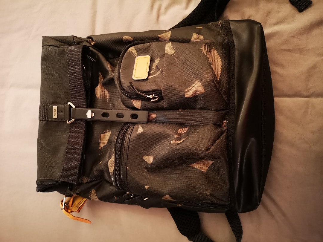 6c9584a18 Tumi Luke Roll Top Backpack Smoke Character, Men's Fashion, Bags & Wallets,  Backpacks on Carousell