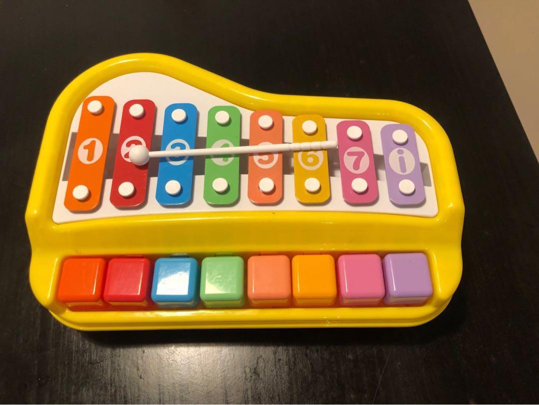 Tune piano toy