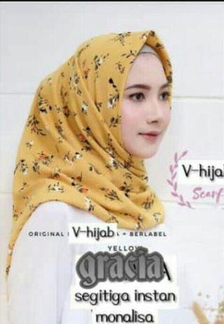 Hijab segitiga instan