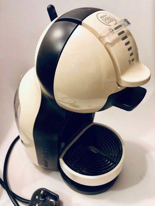 Nescafe Dolce Gusto 雀巢咖啡機 無盒 100% work 極新淨少用 旺角交收