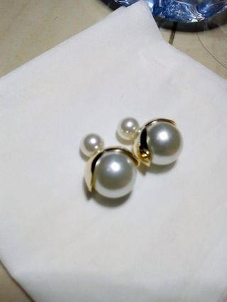 Anting model dior mutiara varian warna