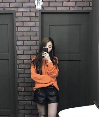 Zara高腰皮短褲