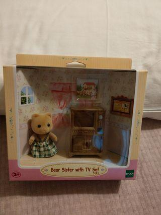 Sylvanian Families Bear sister with TV set
