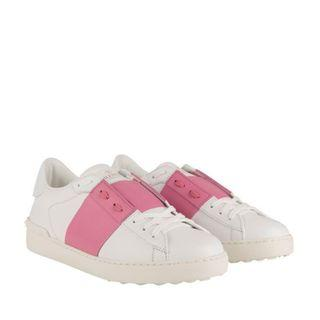 🚚 Authentic Valentino Rockstud sneakers, AMAZING DEAL