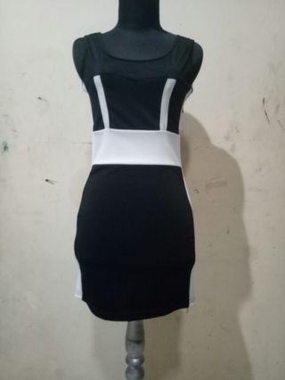 Dress Hitam Ketat