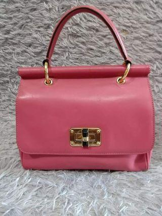 Ochirly pink