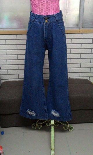 🚚 中藍牛仔褲 寬褲 破褲