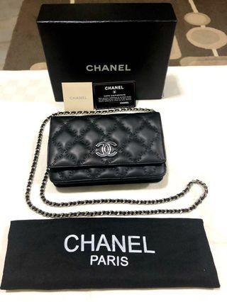 b6b751de6b72f1 chanel wallet authentic used | Bags & Wallets | Carousell Singapore