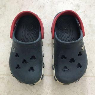 Crocs Size 6-7 (Disney Mickey Dark Blue Auth)