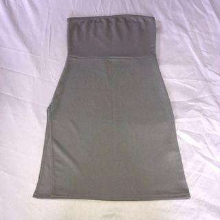 Bodycon Dress w Leg Slit