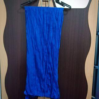 Pashmina pom2 biru donker