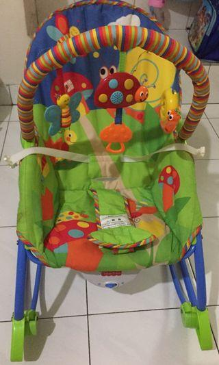 Baby- to- toddler rocker chair