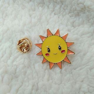 Bros Pin Enamel Lucu Bentuk Matahari Unik Murah Hiasan Tas Jaket Baju
