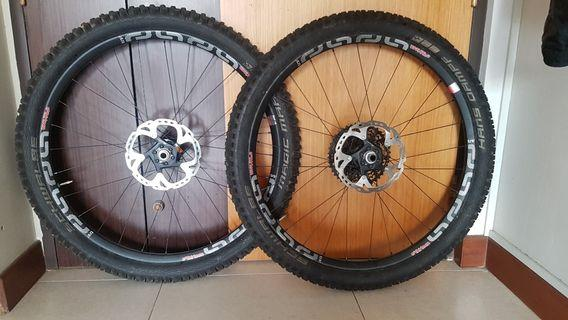 E Thirteen Trs R 27.5 w tyre