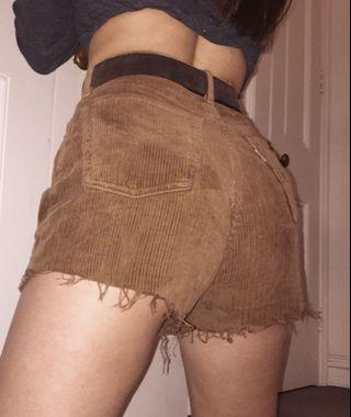 Brown vintage Levi's corduroy shorts
