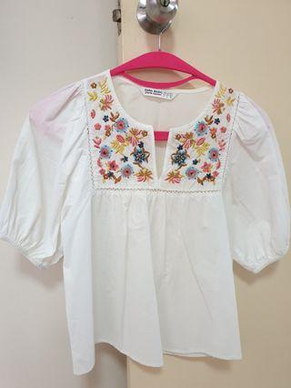 Zara embroidery blouse (size S)
