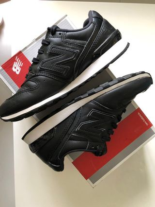 43e2bb9a63b2f New Balance 996 Leather Black Size 6 6.5 Womens Rubber Shoes not Nike Adidas  Converse