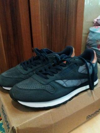 reebok classic leather (nego welcome)
