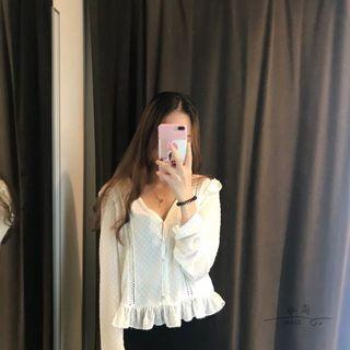 🚚 White Lace Blouse