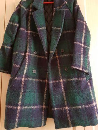 🚚 綠格紋大衣