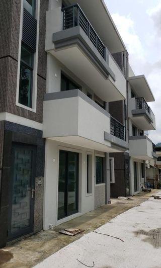 元朗豪華複式村屋
