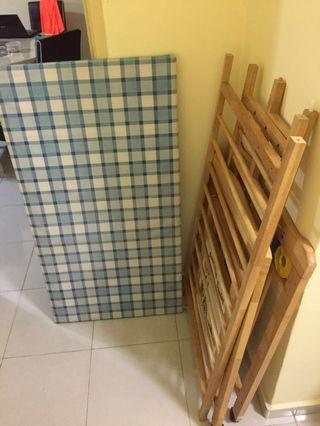 Wooden Baby Cot & mattress & bumper & bedsheet