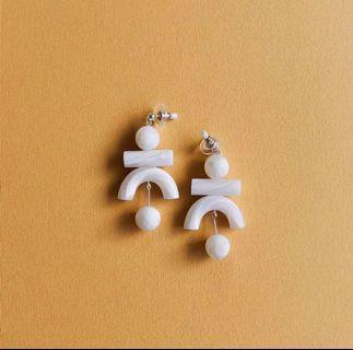 🚚 Tsunja studio mini rookie earrings