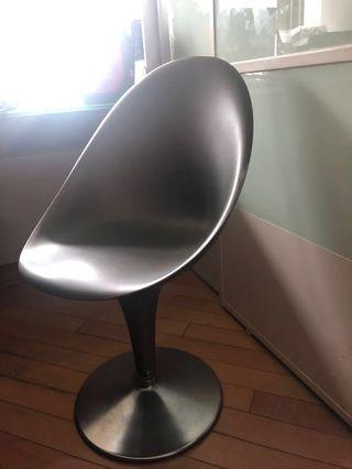Designer Chair - cheap to go