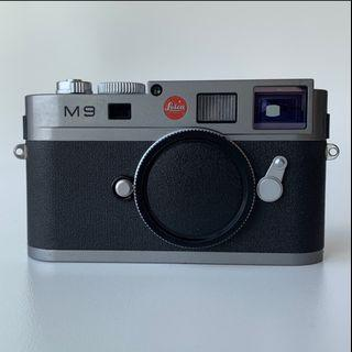 🚚 Leica M9 with 2 Lenses