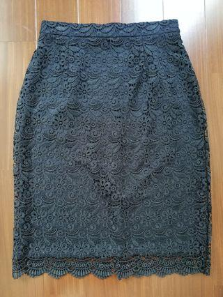 Uniqlo Full Lace Skirt in Navy Blue