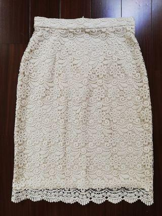 Uniqlo Full Lace Skirt in White