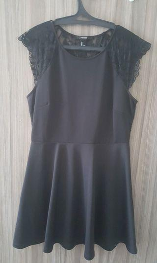 Black dress Forever 21 size L
