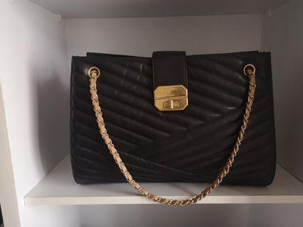 Fast deal $2200! Authentic Chanel Tote