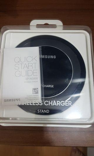 SAMSUNG Wireless Charger Stand EP NG930