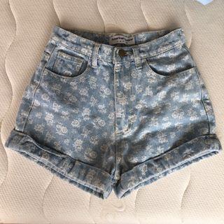 🚚 絕版正品American apparel經典淺藍白花玫瑰高腰牛仔丹寧短褲