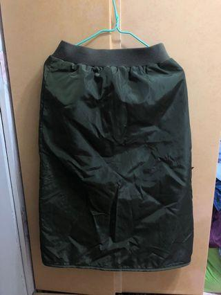 Khaki skirt 厚身卡其短裙