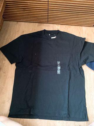 Uniqlo oversized 有袋T恤
