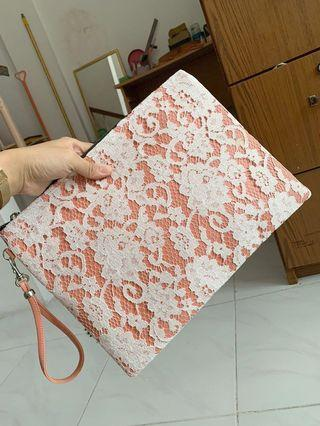 Tas clutch lace peach colour #maujam