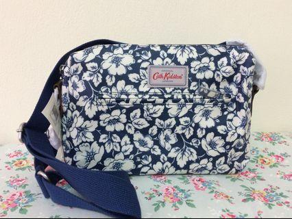 Cath Kidston Didworth Flowers Zipped Bag