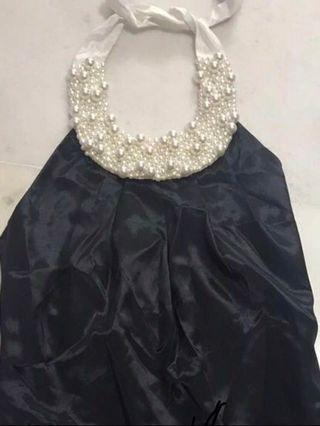 🚚 black dress with pearl neckline