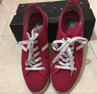 Sneaker Playboy merah