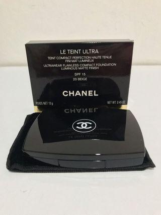 [AUTHENTIC] Chanel Le Teint Ultra Ultrawear Flawless Compact Foundation Luminous Matte Finish (shade 20 Beige)
