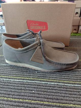 Clarks walabees step