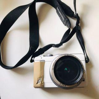 Olympus Camera 相機 E-PL1 連充電電池 充電座 相機袋